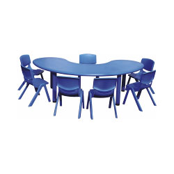 CHILDREN HALF MOON TABLE IN PE (K/D)